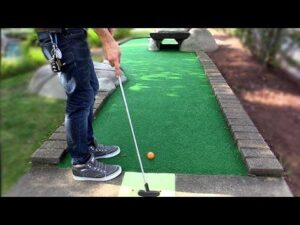 Play Mini-golf games