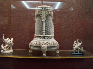 collections of salar jung museum